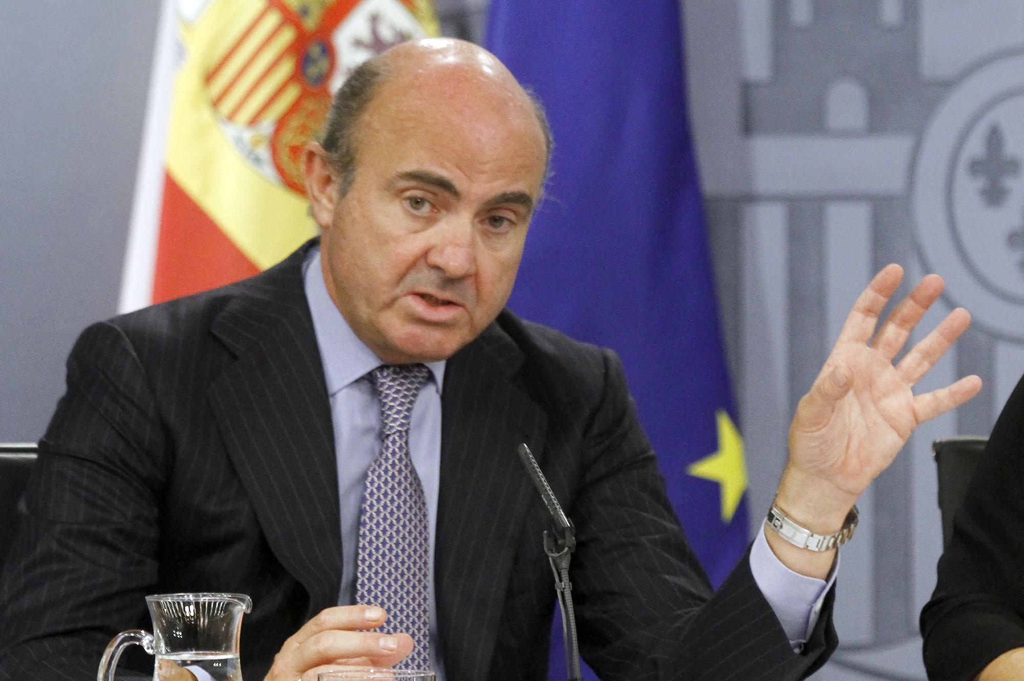 Foto artículo: El ministro que nos protege del 'crowdfunding'